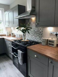 28 Best Ideas for Kitchen Remodeling Ideas bestkitchen kitchendecor kitcheni Home Decor Kitchen, Diy Kitchen, Kitchen Cabinets, Kitchen Backsplash, Backsplash Ideas, Soapstone Kitchen, Backsplash Design, 10x10 Kitchen, Kitchen Sink