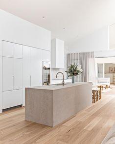 A dreamy kitchen space by #IDIstudent @orton.haus 😍  RTO Code 45423 Home Decor Kitchen, Kitchen Interior, Home Kitchens, Interior Design Institute, Cuisines Design, Modern Kitchen Design, Beautiful Kitchens, Minimalist Home, Home Renovation