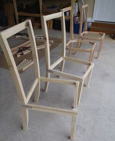 Lazy Liz on Less: How to build and upholster dinning chairs - Diy Table Models 2019 Kitchen Chairs, Dining Room Chairs, Dining Room Furniture, Office Chairs, Desk Chairs, Ikea Kitchen, Lounge Chairs, Dining Tables, Dining Bench