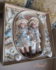 "Wonderful small Twin ""Pierrot"" dolls in presentation Box with lot accessoryTOP!"