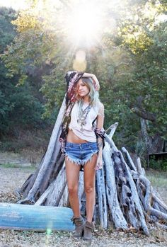 Great summer look to combine it with a pair of Kiboots: www.kiboots.com