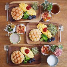 Breakfast Platter, Breakfast Menu, Breakfast Recipes, I Love Food, Good Food, Yummy Food, Cafe Food, Food Menu, Aesthetic Food