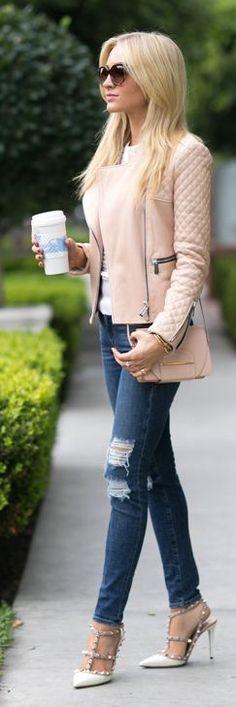 5 Wardrobe Essentials- denim and cropped blazer. #DivineStyle www.divinestyle.co