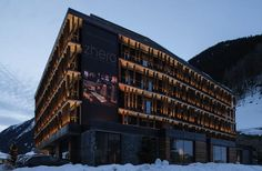 Nestled among the stunning peaks of the Verwall, Samnaun and Silvretta mountain ranges, Zhero – Ischgl/Kappl hotel in Austria offers innovative architecture and Innovative Architecture, Hotel Architecture, Architecture Design, Design Hotel, Design Studio, Alpine Hotel, Spa Hotel, Construction, Design Furniture