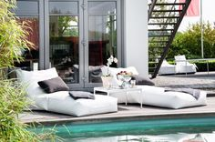 Ready for Spring: Indoor & Outdoor Beanbags Outdoor Lounge, Outdoor Life, Outdoor Rooms, Outdoor Gardens, Indoor Outdoor, Outdoor Living, Outdoor Decor, Outdoor Pool Furniture, Poolside Furniture