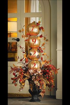 Farmhouse Fall Porch Decorating Ideas - Thus White Cottage Furnishing & bauernhaus-fall-portal-verzierungs-ideen - so weiße häuschen-lieferung & & thanksgiving decorations Party Fall Home Decor, Autumn Home, Holiday Decor, Family Holiday, Seasonal Decor, Holiday Ideas, Autumn Decorating, Porch Decorating, Decorating Ideas