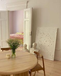 Classic Home Decor, Cute Home Decor, Cheap Home Decor, Home Decor Shops, Luxury Homes Interior, Home Interior Design, Interior Decorating, Interior Livingroom, Interior Modern