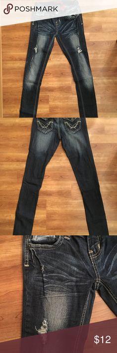 ⏬⏬ (price reduced) ZANADI. destructed jeans Dark washed and destructed jeans in a size 3. ZANADI Jeans Skinny