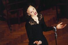 Marion Cotillard was wonderful as Edith Piaf. Julia Ormond, Tilda Swinton, Eddie Redmayne, Colin Firth, Fred Astaire, Helen Mirren, Film Biographique, Bon Film, Guy Ritchie