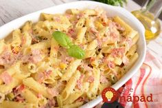 An oven is one of the most important and cleverest inventions because we can cook lots of tasty dishes with its help.Casserole with minced meat and potatoesIngr Chicken Casserole, Casserole Dishes, Musaka, Cheese Ingredients, Broccoli And Cheese, Chicken And Vegetables, Sauces, Tasty Dishes, Pasta Salad