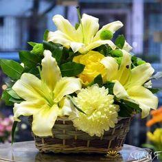 Кошница с лилиум и хризантема