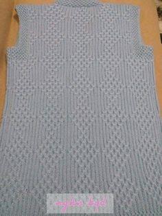 Bridal vest making models Different bridal vest models Bridal vest yel Knit Cowl, Knitted Shawls, Knitted Bags, Baby Knitting Patterns, Knitting Designs, Toddler Cardigan, Knit Vest Pattern, Moda Emo, Knit Fashion