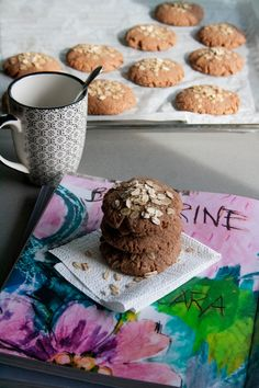 Biscotti al cacao con fiocchi di avena // cocoa cookies with oat flakes