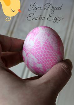 Lace Dyed Easter Eggs - These look so elegant, yet are very simple to make!