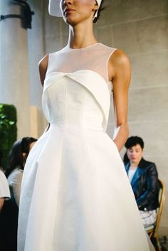 White bride dresses. All brides dream about having the most suitable wedding, but for this they need the most perfect bridal dress, with the bridesmaid's dresses actually complimenting the brides dress. These are a number of suggestions on wedding dresses.