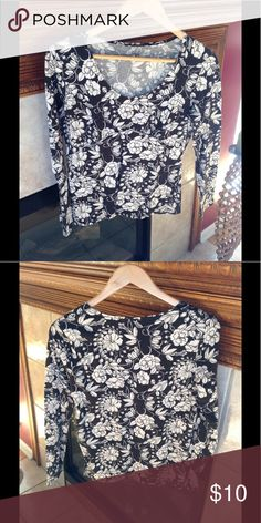 Pretty floral top Super comfy and cute top. Black with off-white floral design, round neck, empire waist stitching for perfect fit. In VGUV ana Tops Tees - Long Sleeve