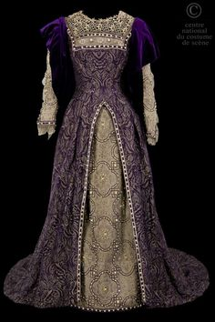 ca 1882 - Renaissance style theatre costume Costume Renaissance, Renaissance Fashion, Renaissance Clothing, Antique Clothing, Historical Clothing, Victorian Fashion, Vintage Fashion, Victorian Dresses, Vintage Gowns