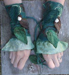Woodland Fairy Cuffs by Folkowl on Etsy #felting #studiopaars