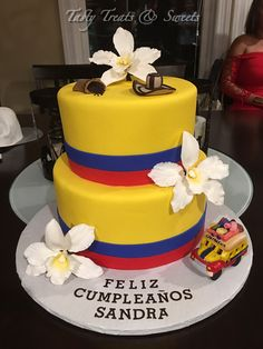 Colombian Colors Birthday Cake Except it the bus would say Cali Soccer Birthday, Soccer Party, 21st Birthday, Birthday Parties, Yummy Treats, Sweet Treats, Soccer Cake, Flag Cake, Pool Party Decorations