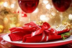 Picture of Decorated Christmas Dinner Table Setting stock photo, images and stock photography. Why Christmas, Christmas Holidays, Dinner Party Table, Mindful Eating, How To Eat Less, Mets, Holiday Tables, Happy Holidays, A Table