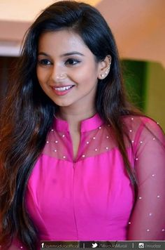 Churidar Designs, Kurta Designs Women, Blouse Designs, Bollywood Dress, Bollywood Fashion, Kurta Patterns, Dress Patterns, Types Of Dresses, Indian Designer Wear