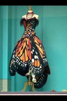 This dress is awesome!  Maybe I will see someone at #entomology15 wearing one! It's only ~$25K @EntsocAmerica