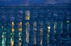 James L. Stanfield- National Geographic Picture of a Roman aqueduct at twilight, Segovia