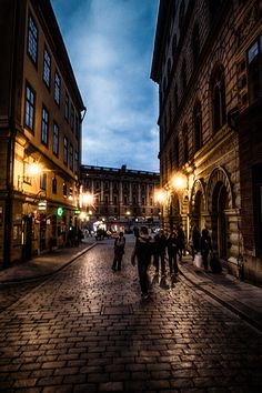 Narrow street in Stockholm - I LOVE the combination of old buildings and narrow streets. It is something so special about that for a guy from Iceland that is not used to old buildings or beautiful narrow streets. I really started to discover this feeling when I lived in 's-Hertogenbosch in the year 2004. If you add an afternoon, lights, darkness & shadows you surely can get an magical picture out of narrow streets in Europe.