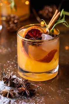 Bourbon Cocktails, Whiskey Drinks, Cocktail Drinks, Fun Drinks, Yummy Drinks, Cocktail Recipes, Drink Recipes, Bourbon Recipes, Alcohol Recipes