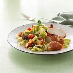 Grøntsagspasta opskrift - fettuccine spinat med kyllingefilet og tomat
