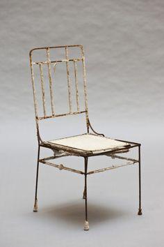 """""""Chaise"""" par Diego Giacometti (1902-1985). Chaise prototype, structure en fer à béton et platre blanc à décor d'un oiseau et d'une feuille"""