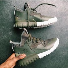 e9133f0610781f shoes adidas olive green green adidas shoes green sneakers sneakers yeezy  army green shoes high top