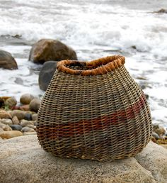 Organic Basket (Willow and bark from willow) by Jane Nielsen
