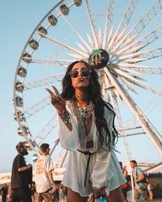 51 looks para ir curtir o primeiro dia de lollapalooza - garotas de saturno Festival Looks, Festival Style, Festival Trends, Music Festival Outfits, Coachella Festival, Festival Fashion, Music Festivals, Festival Makeup, Tribal Prints