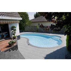 La piscine Waterair Céline trouve sa place sur les terrains résidentiels urbains