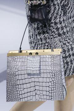 Louis Vuitton Fall 2018 Ready-to-Wear Fashion Show Details