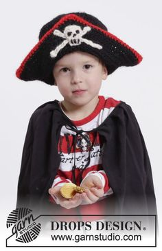 """Carnaval DROPS: Sombrero de pirata DROPS con calavera, en ganchillo, en """"Eskimo"""". Talla: 1-10 años. ~ DROPS Design"""