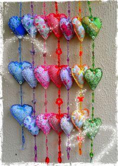 Móbiles de corações