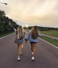 Tag your bestie   Yay? Follow:  @galsofficial  Get Inspired  @galsofficial   Sigam:  @galsofficial      By: @alexcentomo @cath_belle