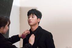 [BY 점프엔터테인먼트] 2017년! 유일무이한 '로코' 남주가 등장하다!극.도.로 내성적인 보스<연애 말고 ... Introverted Boss, Yeon Woo Jin, Actor Model, Asian Men, Korean Actors, Korean Drama, Celebrity Crush, Actors & Actresses, My Love