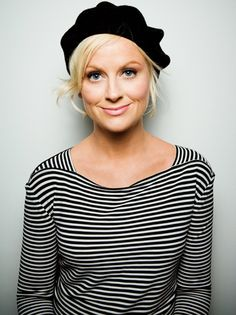 {she's so glowy} Amy Poehler in stripes & beret.