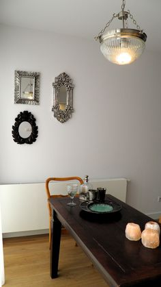 silver mirror composition Design Projects, Design Ideas, Retro Home, Retro Style, Dining Rooms, Retro Fashion, Composition, Kitchens, Bedrooms