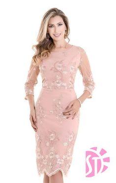 VESTIDO DE FESTA 10802 - Clássica Moda Evangélica Mother Of Bride Outfits, Formal Dresses, Wedding Dresses, Party Dresses, Dress Suits, Pink Dress, Beautiful Dresses, Ideias Fashion, Fashion Dresses