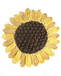 Brighten up with this cheery sunflower dishcloth! Shown in Lily Sugar 'n Cream.