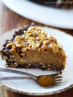 Caramelized Peanut and Chocolate Pie {Gluten-Free, Vegan, Refined Sugar-Free, No-Bake, and can be made with almonds for paleo version!}