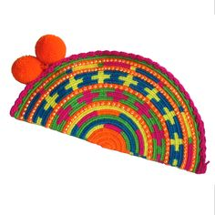 Animada Abanico Wayuu Clutch. Handmade and Fair Trade Wayuu Clutches – LOMBIA & CO. | www.LombiaAndCo.com
