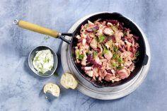 45 schnelle Gerichte unter 400 Kalorien | Küchengötter Iron Pan, Potato Salad, Pork, Potatoes, Chicken, Meat, Ethnic Recipes, Fish Fillet Recipes, Light Recipes