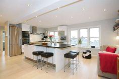 vinskap i kjøkkenøy - Google-søk Table, Furniture, Home Decor, Decoration Home, Room Decor, Tables, Home Furnishings, Home Interior Design, Desk