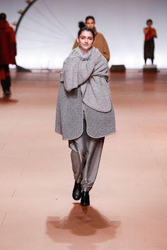 [No.22/42] ISSEY MIYAKE 2014~15秋冬コレクション   Fashionsnap.com