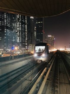 Dubai #MetroLineAtNight 2